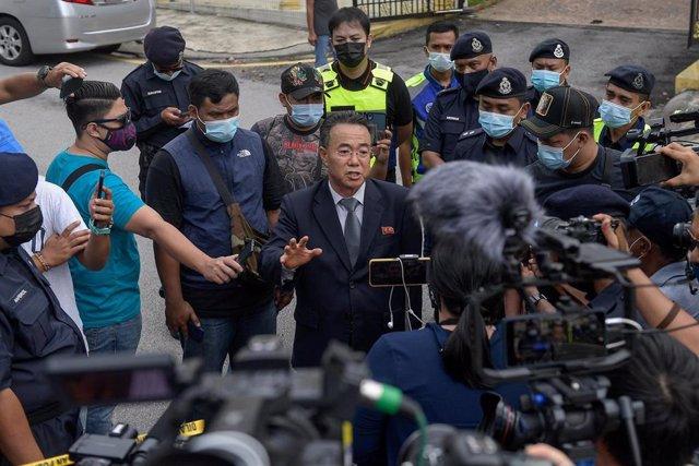 El asesor norcoreano Kim Yu Song anuncia la ruptura de relaciones con Malasia