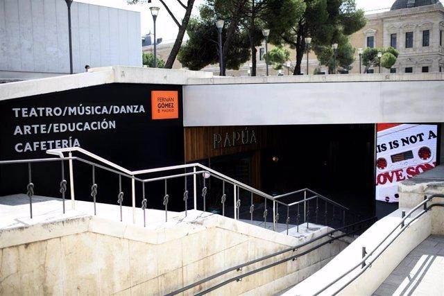 Archivo - Acceso al Teatro Fernán Gómez-Centro Cultural de la Villa, en Madrid (España).