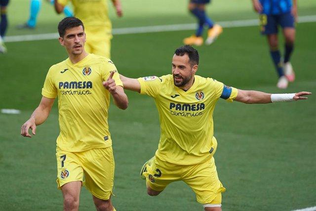 Gerard Moreno of Villarreal CF celebrates a goal during the La Liga Santander match between Villarreal CF and Cadiz at Estadio de la Ceramica on 21 March, 2021 in Vila-real, Spain