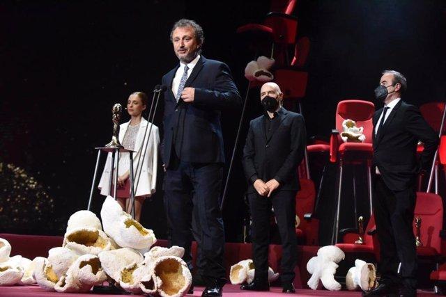 El productor Raimon Masllorens, que ha rebut el Premi Gaudí a Millor Pel·lícula per 'La vampira de Barcelona'