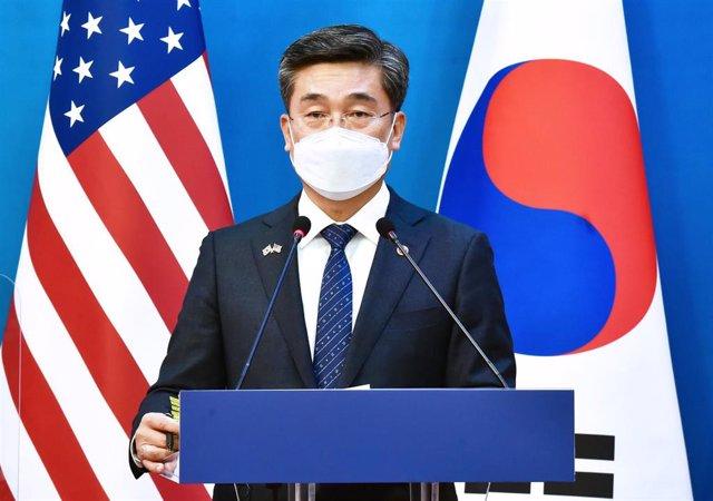 El ministro de Defensa de Corea del Sur, Suh Wook, durante la visita de la delegación estadounidense.
