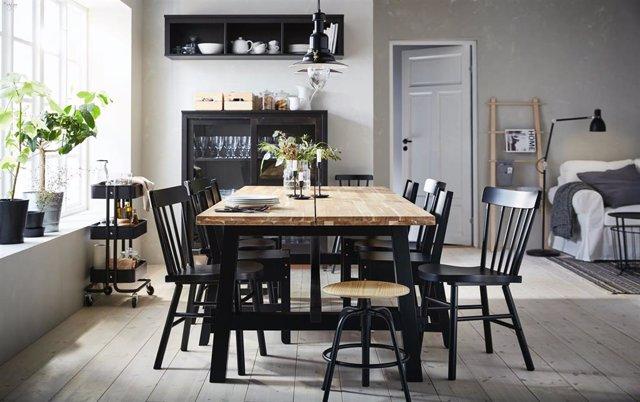 Mesa y sillas de Ikea