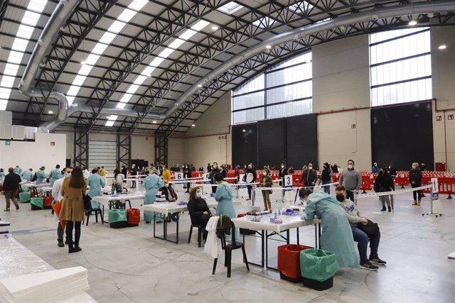 Archivo - Dispositivo de cribado masivo en el Instituto Ferial de Vigo, en Vigo.