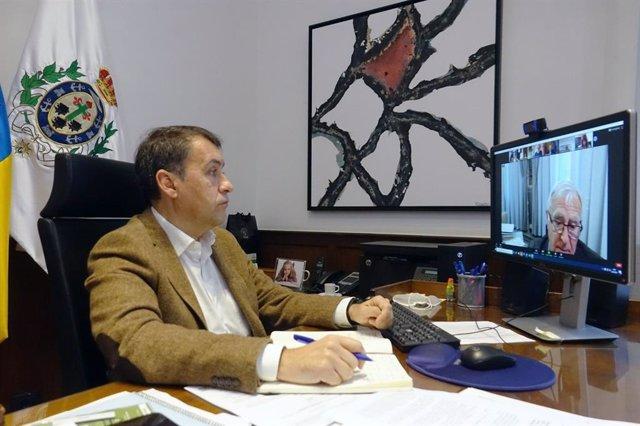 El alcalde de Santa Cruz de Tenerife, José Manuel Bermúdez, en una reunión telemática con otros nueve alcaldes para solicitar un fondo de rescate local