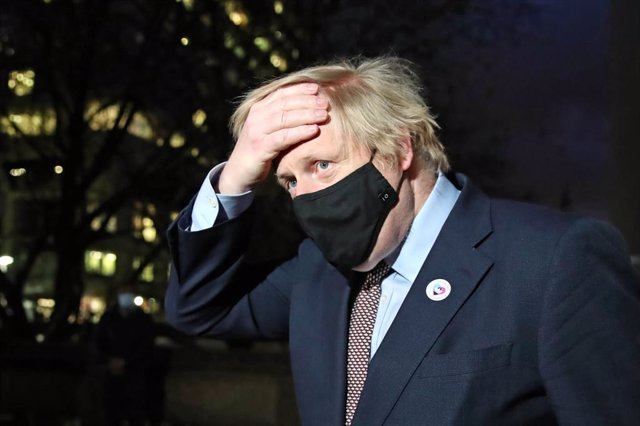 19 March 2021, United Kingdom, London: British Prime Minister Boris leaves Westminster Bridge Vaccination Centre in St Thomas' Hospital, after receiving the first dose of AstraZeneca vaccine against Covid-19. Photo: Aaron Chown/PA Wire/dpa