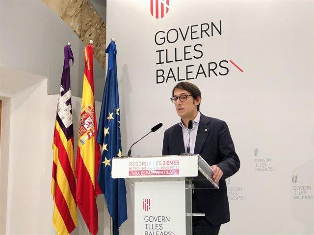 Archivo - El portavoz del Govern, Iago Negueruela, en la rueda de prensa.