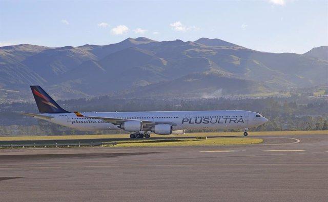 Archivo - Avión de la aerolínea Plus Ultra Líneas Aéreas