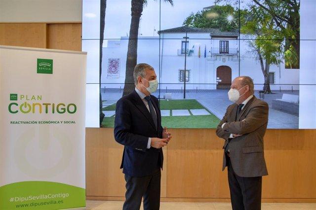 Sanz y Villalobos, durante el encuentro