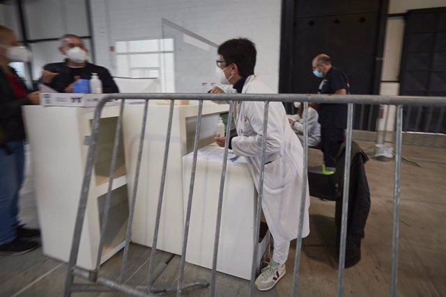 Archivo - Recinto Ferial de Navarra, en Pamplona, donde el Departamento de Salud del Gobierno de Navarra realiza pruebas PCR de detección del Covid-19.