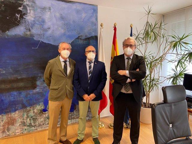 Dr. Tomás Cobo, Miguel Rodríguez y Dr. Javier Hernández de Sande