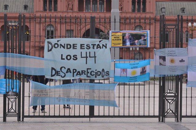 Archivo - Manifestación en Buenos Aires de los familiares de los desaparecidos en el submarino 'ARA San Juan'
