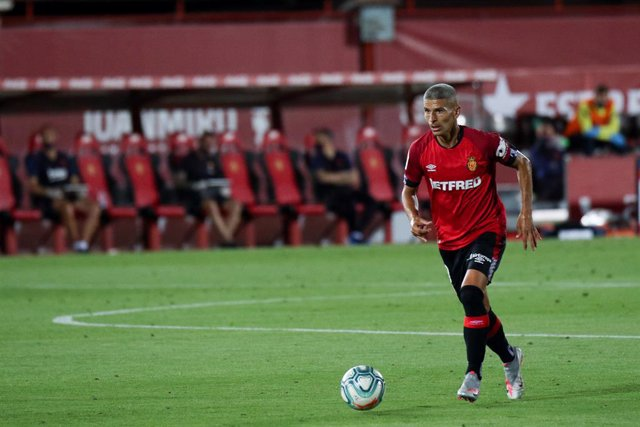 Archivo - Salva Sevilla of Mallorca in action during the spanish league, LaLiga, football match played between RCD Mallorca and FC Barcelona at Son Moix Stadium in the restart of the Primera Division tournament after to the coronavirus COVID19 pandemic on