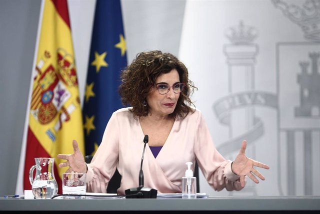 La ministra portavoz y ministra de Hacienda, María Jesús Montero, comparece en rueda de prensa posterior al Consejo de Ministros celebrado en Moncloa, a 16 de marzo de 2021.