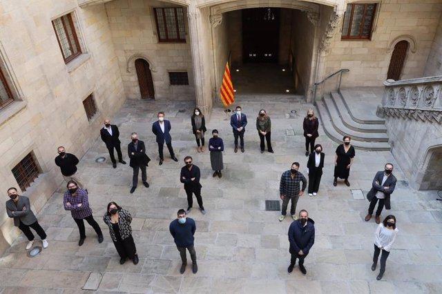 El vicepresident Pere Aragonès i les conselleres Meritxell Budó i Àngels Ponsa, en la recepció dels guardonats en els Premis Gaudí.