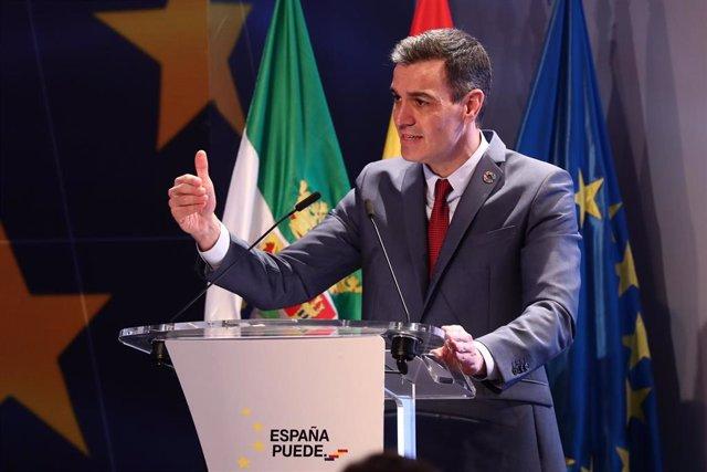 Archivo - El presidente del Gobierno, Pedro Sánchez, presenta en Mérida el Plan de Recuperación, Transformación y Resiliencia de la Economía Española