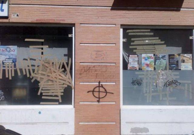 Destrozos en la sede del Espacio LaBarqueta