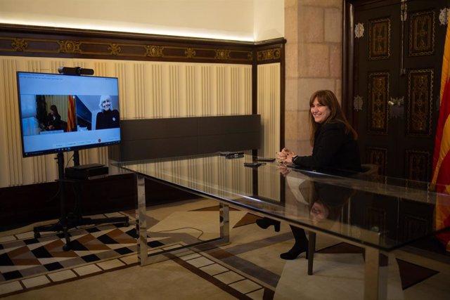 Reunió de la presidenta del Parlament, Laura Borràs, amb la candidata de la CUP Dolors Sabater.
