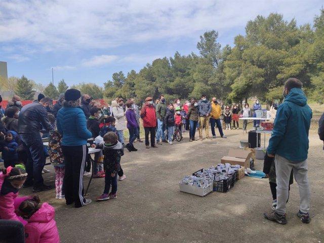 Concentración convocada por el grupo de Medio Ambiente del Distrito Sur de Zaragoza para pedir a las administraciones que salven el pinar de Valdespartera donde se proyecta construir el nuevo cuartel de la Guardia Civil.