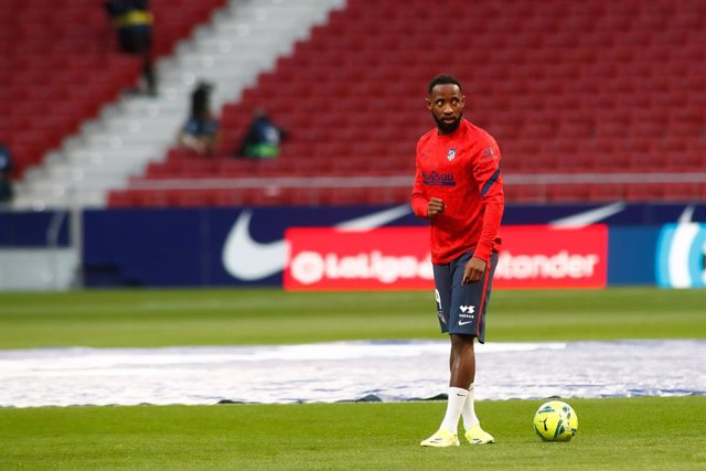 Moussa Dembele of Atletico de Madrid warms up during the spanish league, La Liga Santander, football match played between Atletico de Madrid and Athletic Club at Wanda Metropolitano stadium on March 10, 2021, in Madrid, Spain.