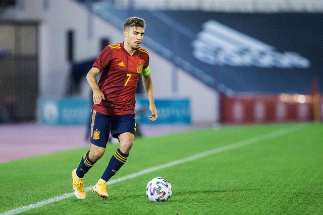 Archivo - Alejandro Pozo of Spain U21 during the UEFA Euro Under 21 Qualifier match between Spain U21 and Faroes Island U21 at Estadio Municipal de Marbella on November 12, 2020 in Malaga, Spain.