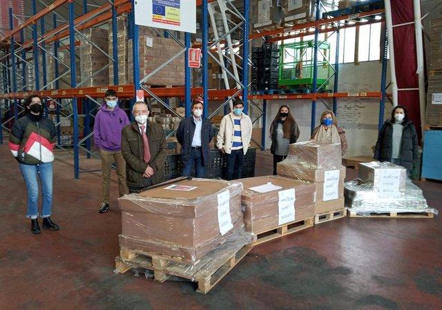 El Rotary Club de Logroño consigue alimentos y productos de higiene de los alumnos de los IES Inventor Cosme García y Práxedes Mateo Sagasta