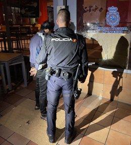 """Nota Prensa: """"La Policía Nacional Detiene Al Presunto Autor De Asaltar Un Establecimiento De Comida Rápida En La Zona Atalayas """""""