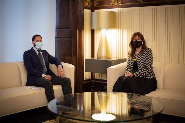 La presidenta del Parlament, Laura Borràs, es reuneix amb el líder de Vox a la cambra catalana, Ignacio Garriga, en la ronda de contactes per a la investidura.