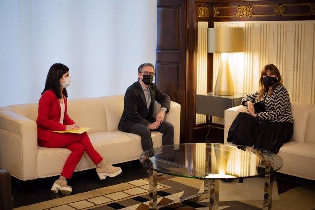 Reunió de Marta Vilalta i Josep Maria Jové (ERC) amb la presidenta del Parlament, Laura Borràs, en la ronda de contactes per a la investidura.