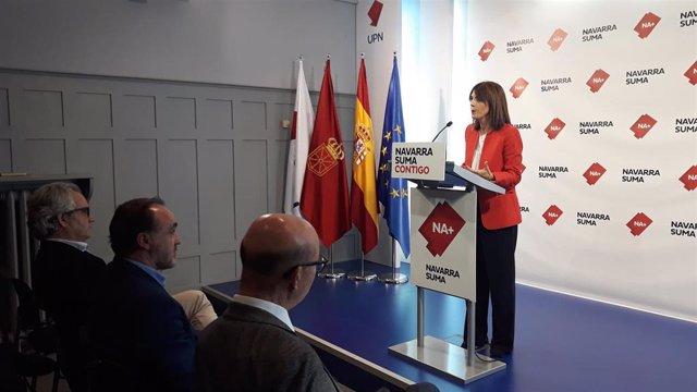 Archivo - La parlamentaria de Navarra Suma María Jesús Valdemoros, en rueda de prensa.