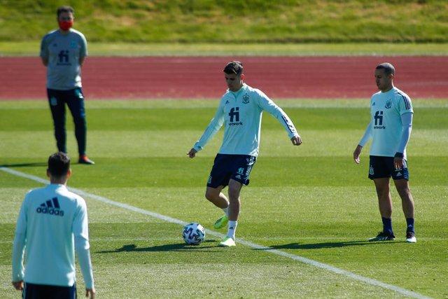 Alvaro Morata in action during the FIFA World Cup 2022 Qatar qualifying training session celebrated at Ciudad del Futbol on March 24, 2021 in Las Rozas, Madrid, Spain.