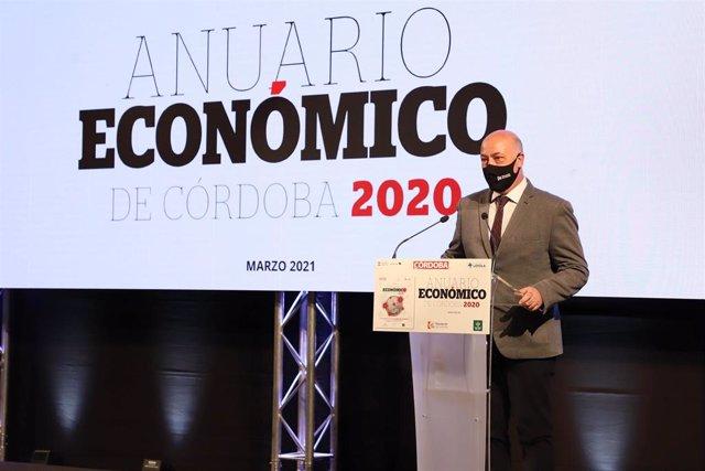 El presidente de la Diputación de Córdoba, Antonio Ruiz, interviene en la presentación de la 12ª edición del Anuario Económico del Diario Córdoba.