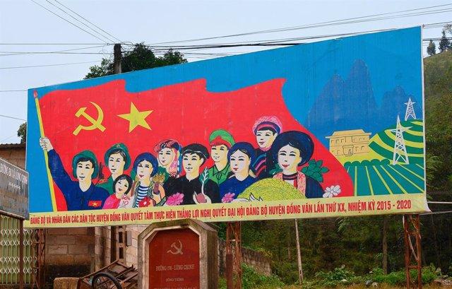 Archivo - Mural situado en la provincia de Ha Giang, norte de Vietnam.