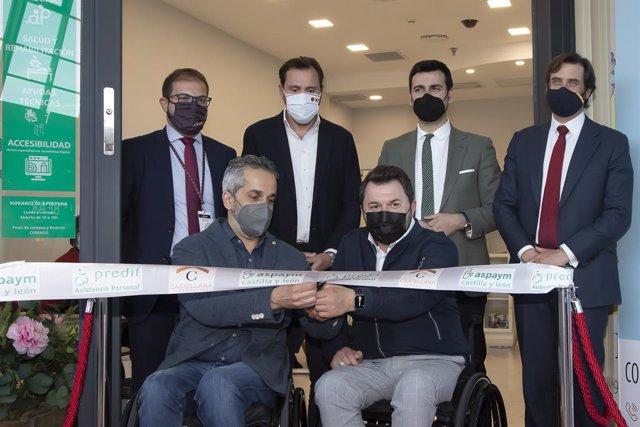 Inauguración nuevo Punto de Información de ASPAYM y PREDIF en Vallsur