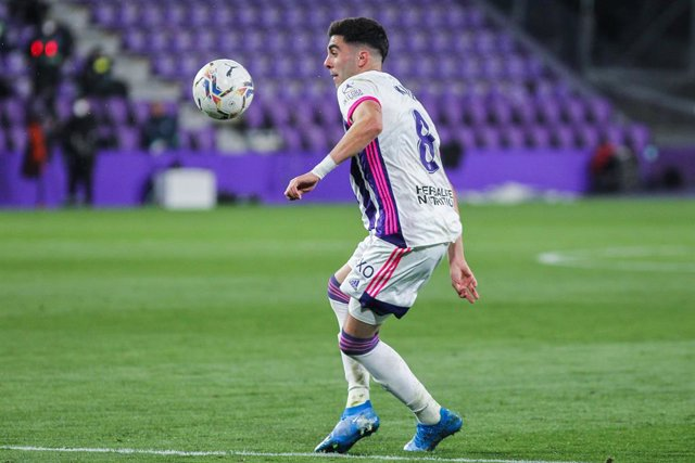 Archivo - Kike Perez of Real Valladolid in action during La Liga football match played between Real Valladolid and Real Madrid at Jose Zorrilla stadium on February 20, 2021 in Valladolid, Spain.