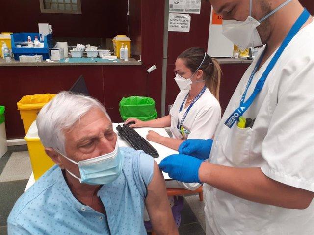 Vacunación al colectivo de 60-65 años en Canarias