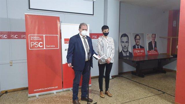 Joan Callau y Filo Cañete (PSC) en rueda de prensa sobre la Alcaldía de Sant Adrià de Besòs (Barcelona).
