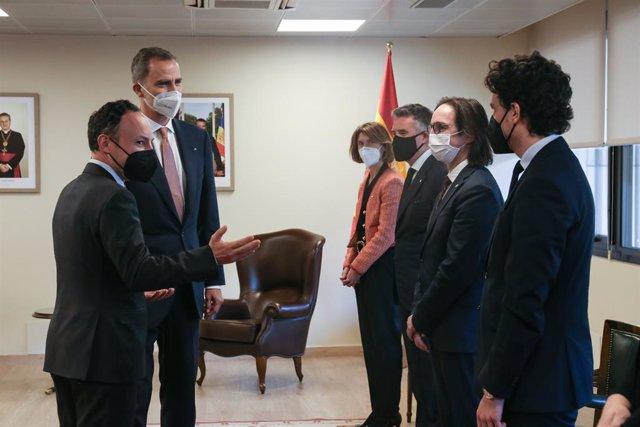 El rei Felip a Andorra amb Xavier Espot (cap del Govern), Maria Ubach (ministra d'Exteriors), Vicenç Mateu (ambaixador a Espanya) i Landry Riba (secretari d'estat andorrà d'Afers Europeus).