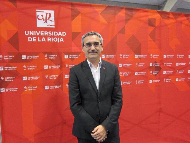 Archivo - La Universidad de La Rioja ha celebrado este viernes el acto de graduación conjunta de sus titulaciones de grados y máster en el Palacio de los Deportes de Logroño.