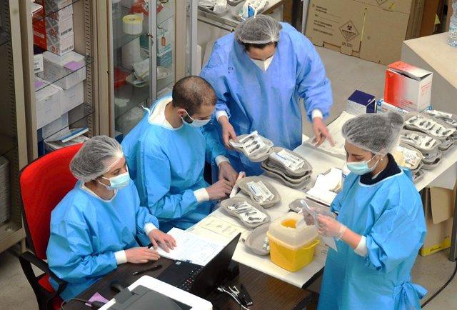 Centro de vacunación en Milán, Italia