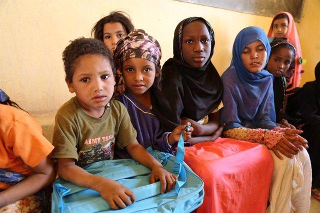 Archivo - Niños en una escuela en Kidal, Malí
