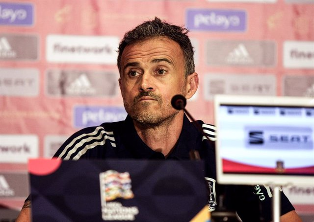 Archivo - 12 October 2020, Ukraine, Kiev: Spain head coach Luis Enrique attends a press conference of the Spanish national team, ahead of Tuesday's UEFANations League soccer match against Ukraine. Photo: -/Ukrinform/dpa