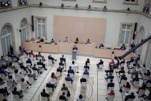 El candidat d'ERC a la presidència de la Generalitat i vicepresident del Govern en funcions, Pere Aragonès, en el ple d'investidura al Parlament.