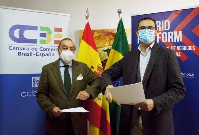Archivo - El Director Ejecutivo de la Cámara de Comercio Brasil-España, Antonio del Corro García- Lomas y el Director General de Madrid Platform, Carlos Morales
