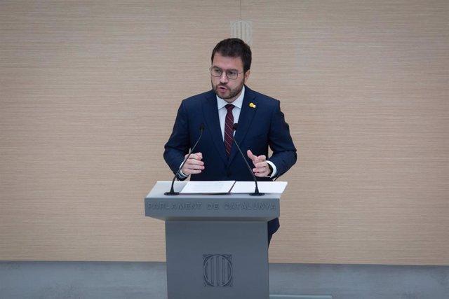 El vicepresident de la Generalitat en funcions i candidat d'ERC a la presidència, Pere Aragonès, intervé en la primera sessió del debat d'investidura al Parlament.