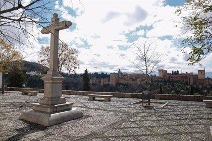 La Policía Local tendrá presencia estática en los miradores del Albaicín en Semana Santa