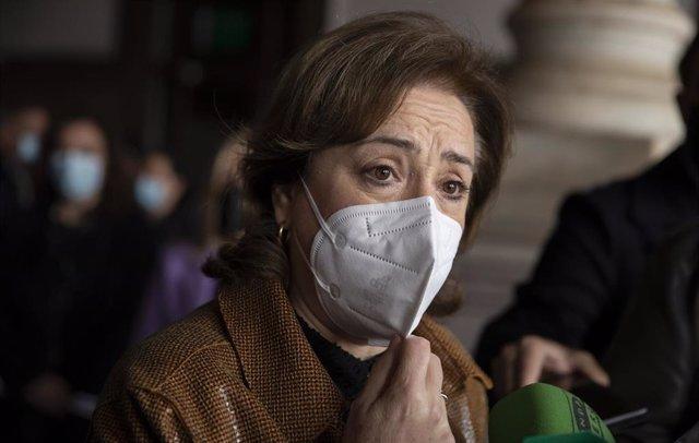 La delegada de Gobierno en Andalucía, Sandra García, atiende a los medios en una foto de archivo