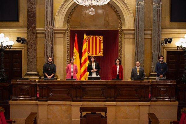 La Mesa del Parlament de la XIII legislatura.