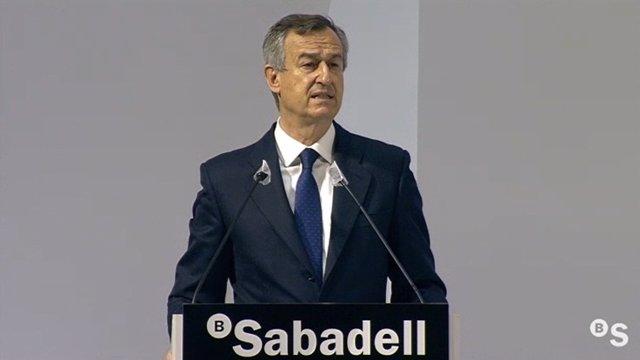 El conseller delegat de Banc Sabadell, César González-Bueno, durant la seva intervenció.