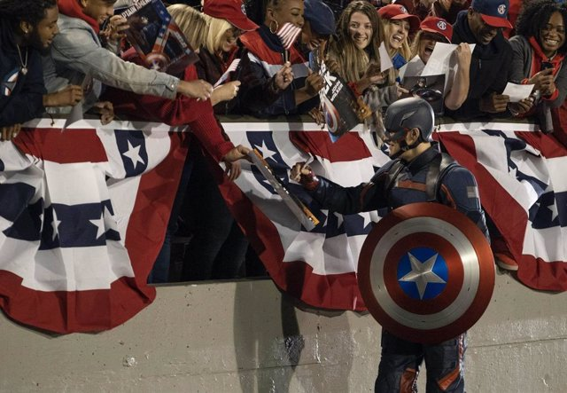 La directora de Falcon y el Soldado de Invierno defiende al nuevo Capitán América