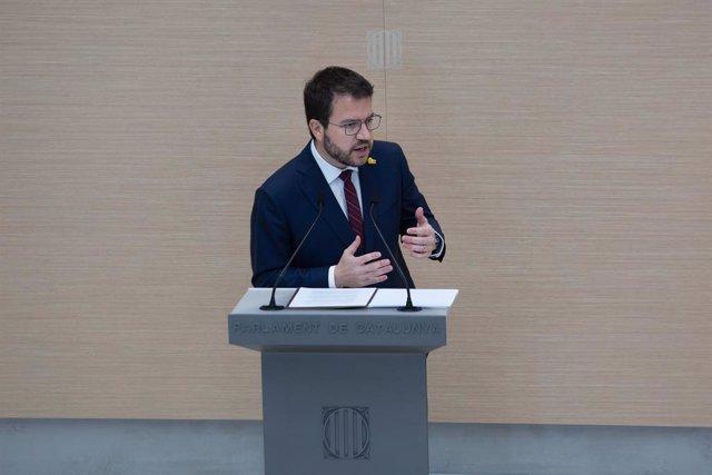 El candidat d'ERC a la Presidència de la Generalitat i vicepresident del Govern en funcions, Pere Aragonès, en el ple d'investidura en el Parlament